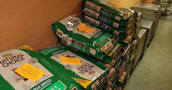 MHS free pet food bank